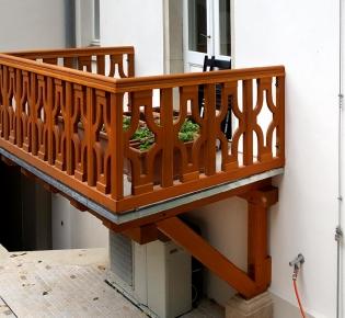 Tischlerei Sebastian Schramm Dresden Neustadt - Balkon Lärchenholz