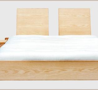 Tischlerei Sebastian Schramm, Dresden Neustadt - Bett aus Eschen- und Eichenholz
