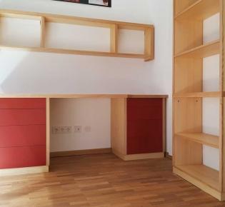 Tischlerei Sebastian Schramm Dresden Neustadt - Büromöbel aus Esche und Linoleum